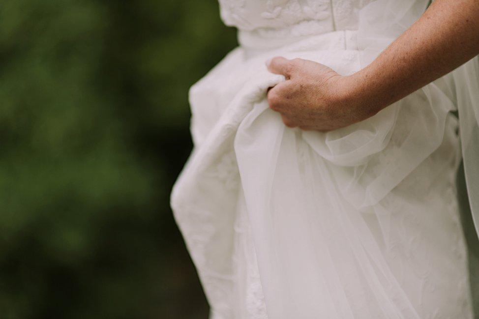 Prue Vickery Wedding Photographer Unposed Relaxed Documentary Singleton