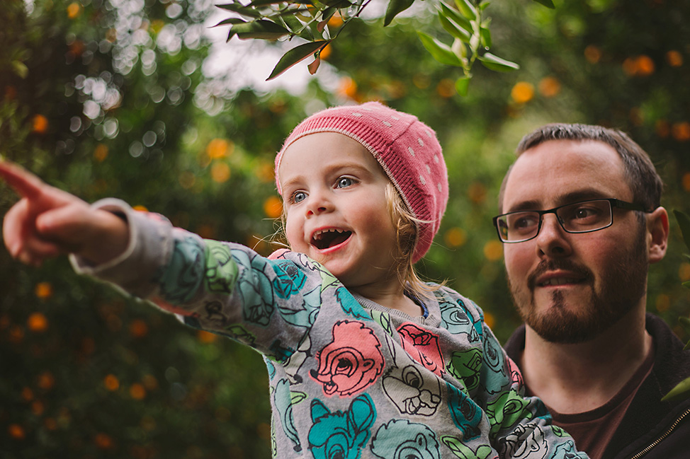Hawkesbury Family Photographer Mandarin Fruit Picking Family