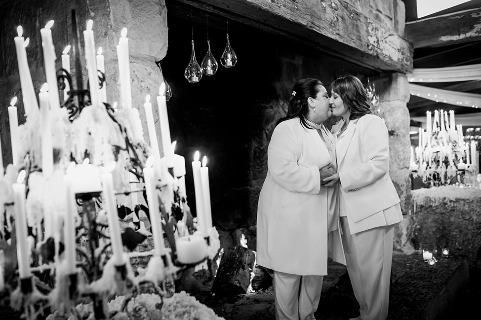 Prue Vickery Offbeat Unusual Small Wedding Portraiture